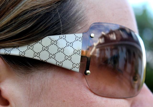 Zoom sur les lunettes de soleil Gucci
