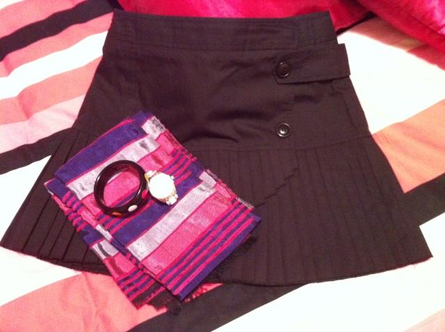 Jupe Comptoir des Cotonniers Cheich from Marrakech Bracelet Sonia Rykiel Montre Guess