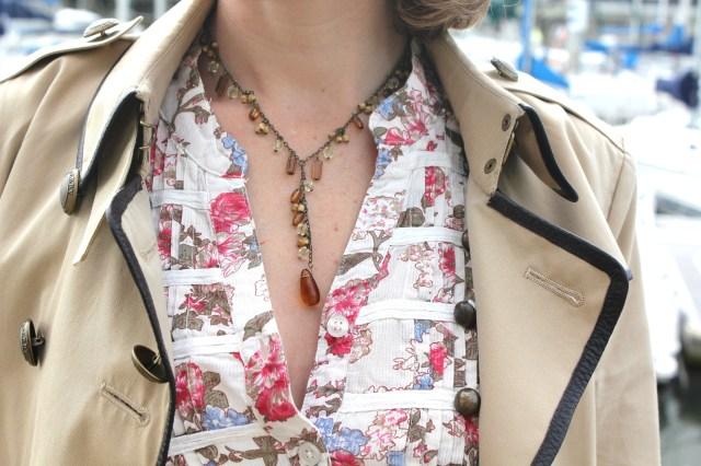 Détails blouse Vero Moda & collier en pierres from Israël