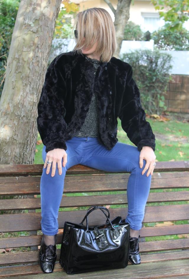 Square time in fake fur (10)