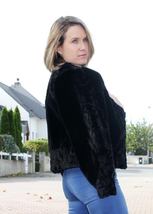 Square time in fake fur (61)