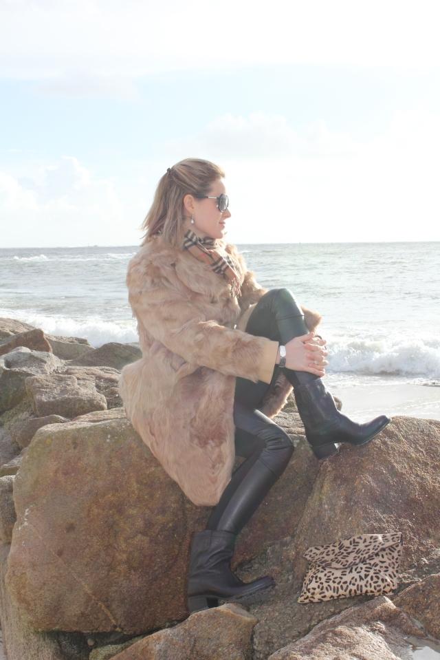 Black leather slim & fur (10)