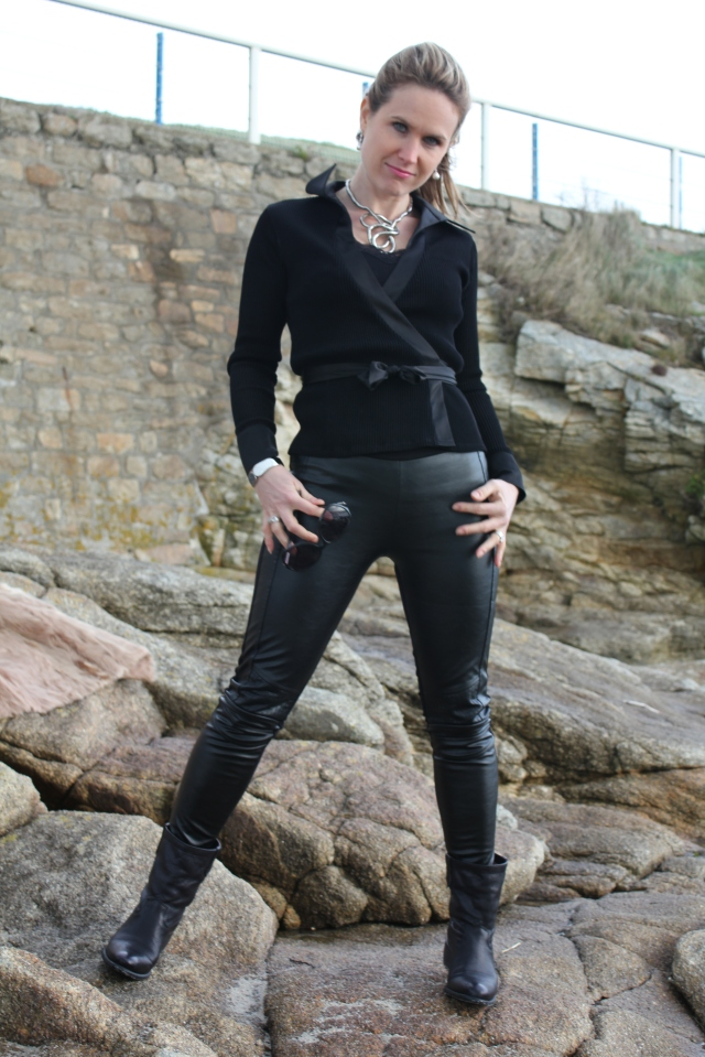 Black leather slim & fur (25)