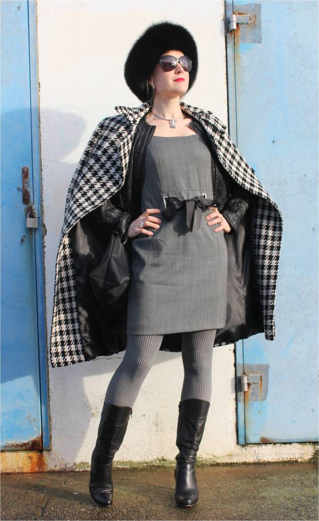 Black & white with checked print (125)