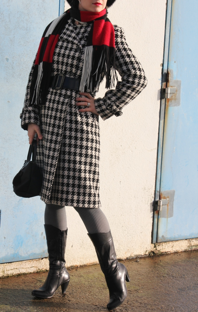 Black & white with checked print (15)