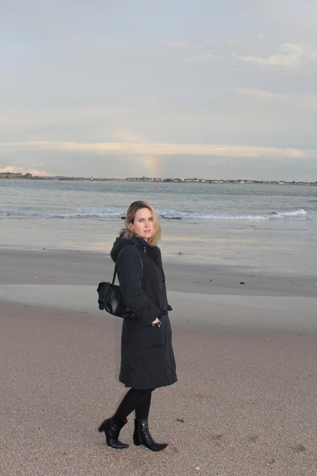Walking on the beach (1)