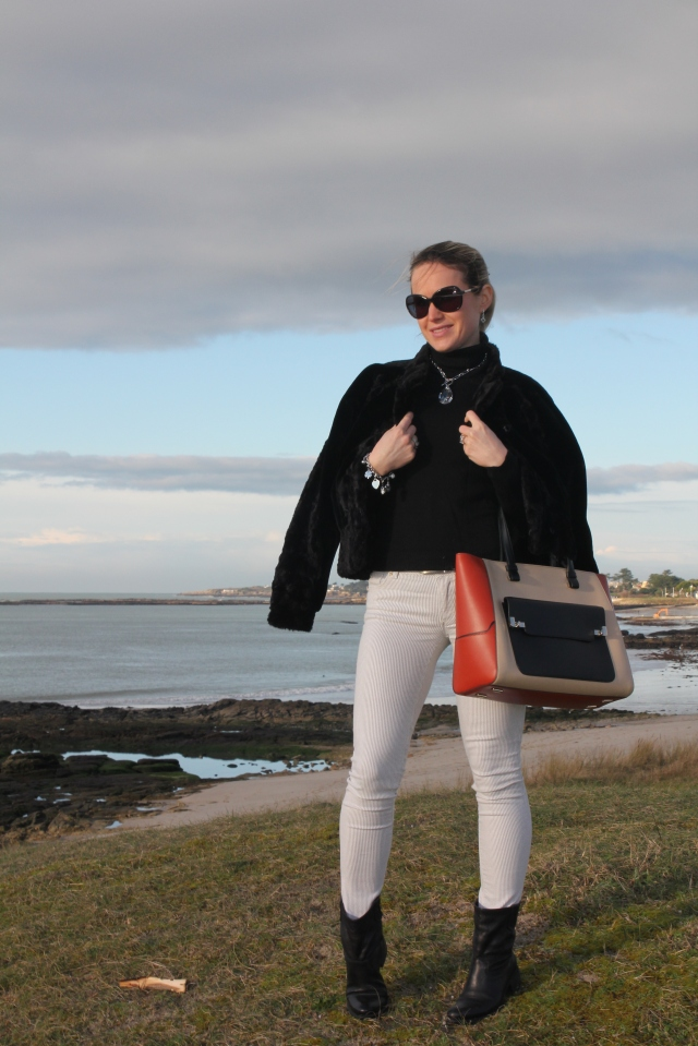 Faux fur coat & Lancel bag (12)