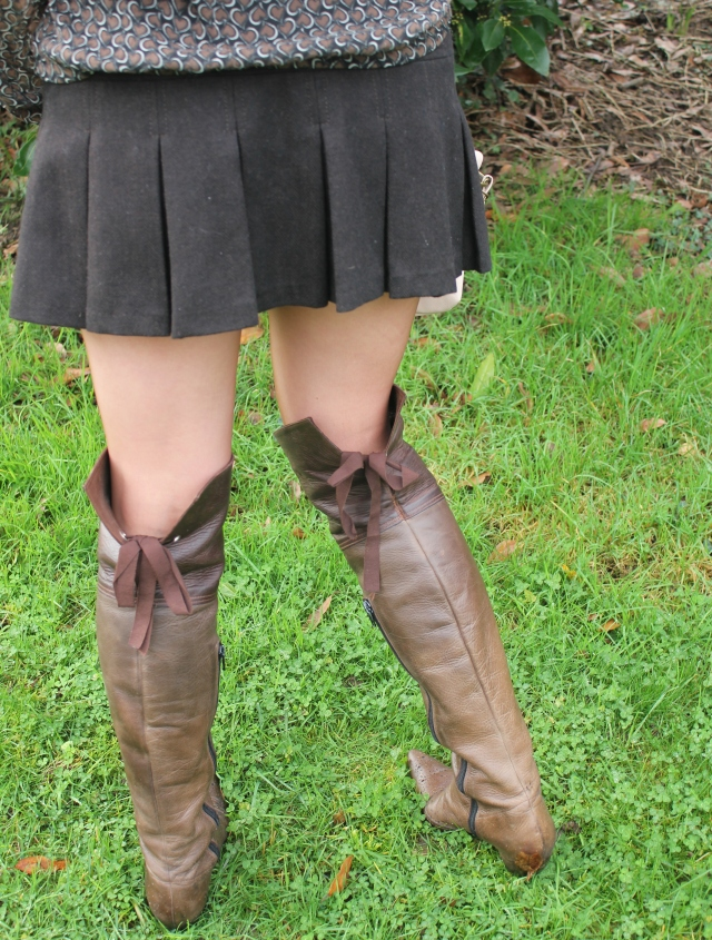 High boots with mini skirt (68)