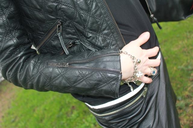 Leather addict (25)
