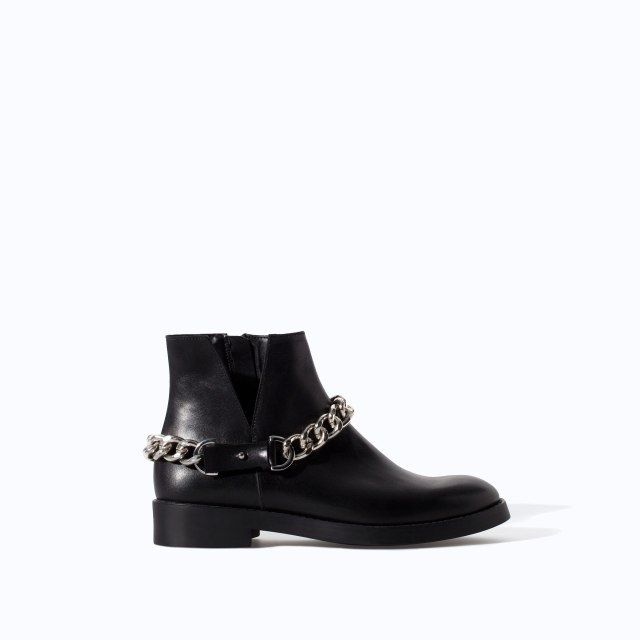 Zara - Black booties with chain