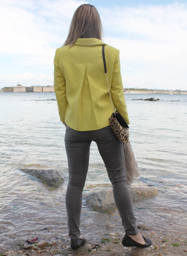 Yellow jacket & Graou clutch (20)